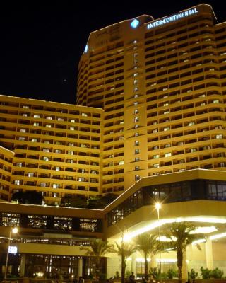 MEA-Egypt-15-HotelExteriorCairo4