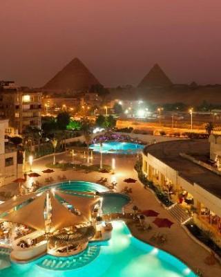 pool-pyramids-view